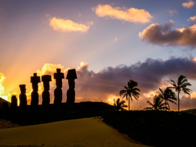 Green Island Tours - Easter Island